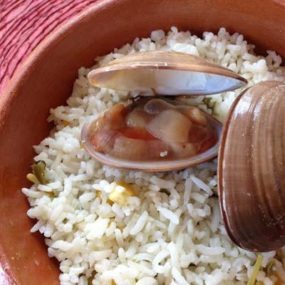 Almejas con arroz