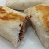 Burritos de carne deshebrada
