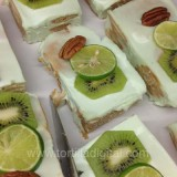 Tradicional pastel de galletas marías con limón