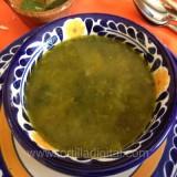 Sopa verde de nopalitos